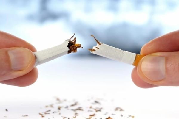 Η Βρετανία κηρύσσει πόλεμο στο κάπνισμα!