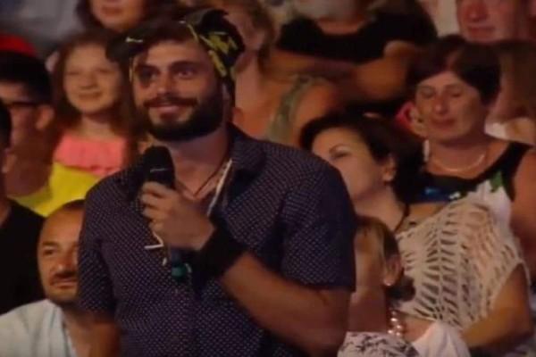 Survivor: Ο Σπύρος τραγούδησε για τις δύο φιναλίστ! (Video)