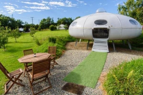 Aibnb: Σπίτι διαστημόπλοιο μόνο με...10 ευρώ!