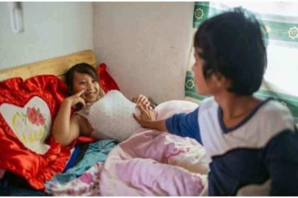 Ξέρετε γιατί οι Κινέζες κάνουν ένα μήνα να πλυθούν αφού γεννήσουν;