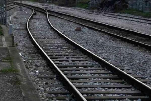 Σύγκρουση τρένου με ΙΧ στο Κιλκίς: Χωρίς τις αισθήσεις της ανασύρθηκε μια γυναίκα!