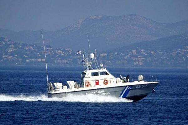 Κρήτη: Εφτά άτομα εγκλωβίστηκαν σε παραλία όταν πήγαν να κάνουν μπάνιο!
