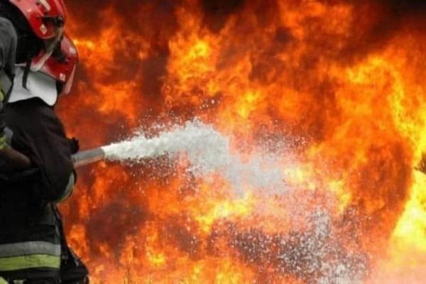 Πυρκαγιά κοντά σε εργοστάσια στη Μεταμόρφωση!