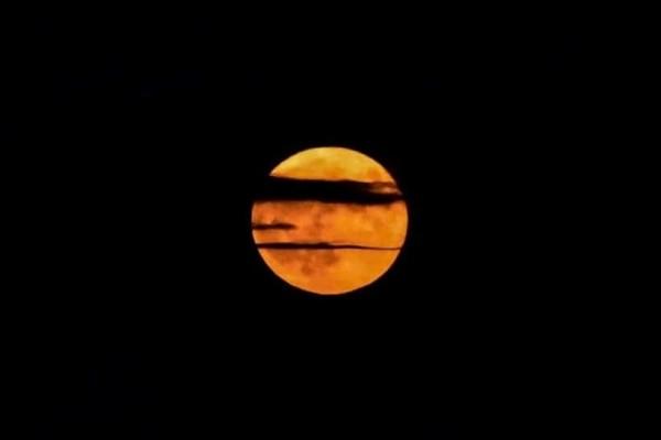 Δεκαπεντάυγουστος: Η ονειρεμένη πανσέληνος και οι εντυπωσιακές φωτογραφίες από το ολόγιομο φεγγάρι! (Video)