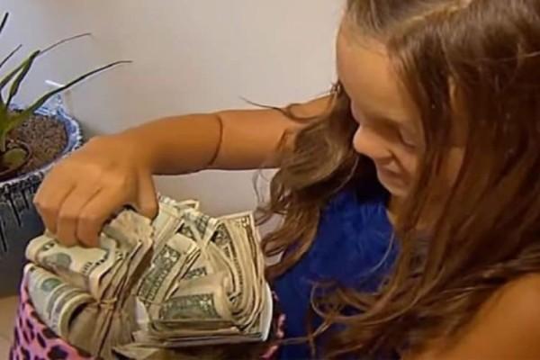 8χρονη γύρισε σπίτι με 60.000 και η εξήγηση της έγινε viral σε όλο τον κόσμο! (Video)