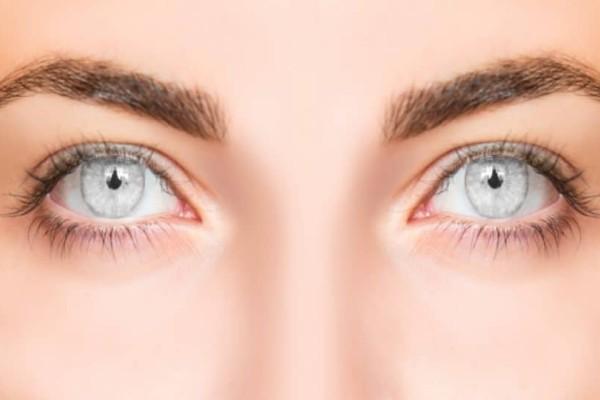 Προσοχή: Καταστρέφετε τα μάτια σας με κάτι που χρησιμοποιούμε όλοι!