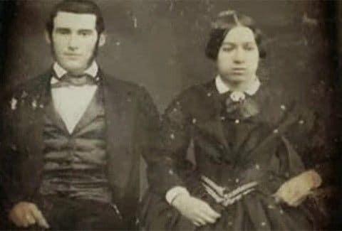 Για ποιο απίστευτο λόγο οι άνθρωποι του 19ου αιώνα δεν χαμογελούσαν ποτέ στις φωτογραφίες;