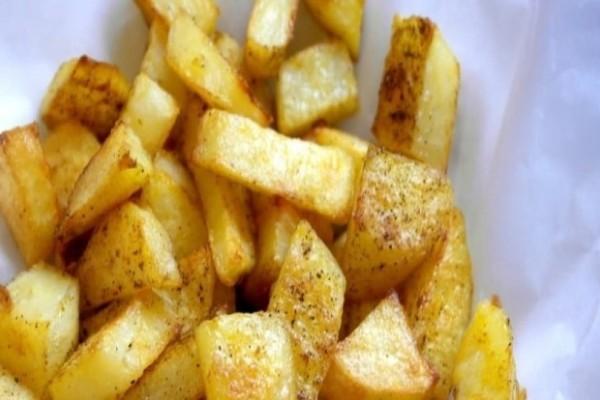 Προσοχή: O σοβαρός λόγος που δεν πρέπει να βάζουμε τις πατάτες στο ψυγείο!