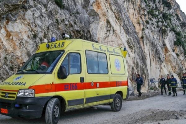 Σοκ στην Κρήτη: Άντρας εγκλωβίστηκε στα βράχια!