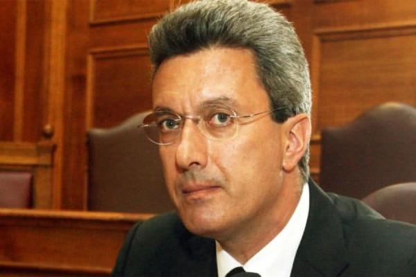 Θα πάθετε σοκ: Αυτός ο πασίγνωστος Έλληνας είναι ξάδερφος του Νίκου Χατζηνικολάου!