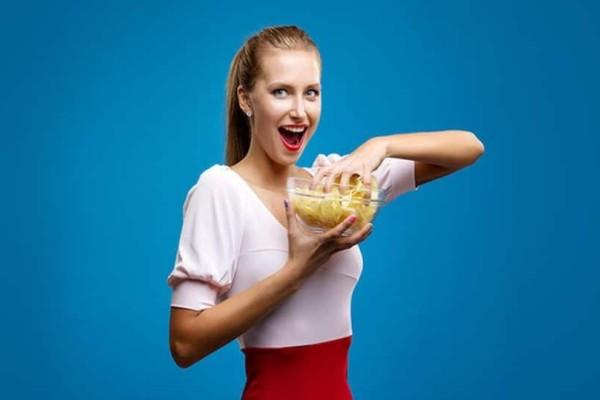 Γιατί εθιζόμαστε στο να τρώμε πατατάκια;