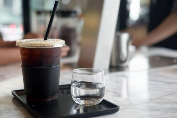 Για αυτό το λόγο πρέπει να πίνουμε καφέ πριν τις 09:30!