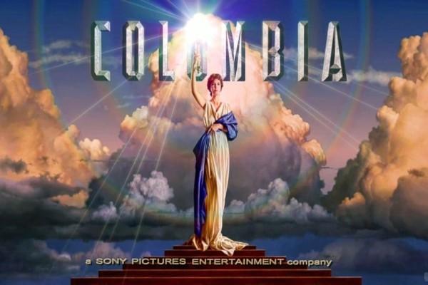 Ποια είναι η κοπέλα που εμφανίζεται στην αρχή των ταινιών της Columbia Pictures; (photos)