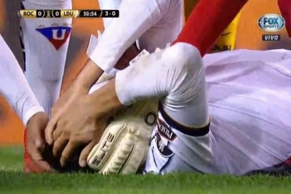 Σοκαριστικός τραυματισμός! Ποδοσφαιριστής σφαδάζει από τους πόνους! (Video)