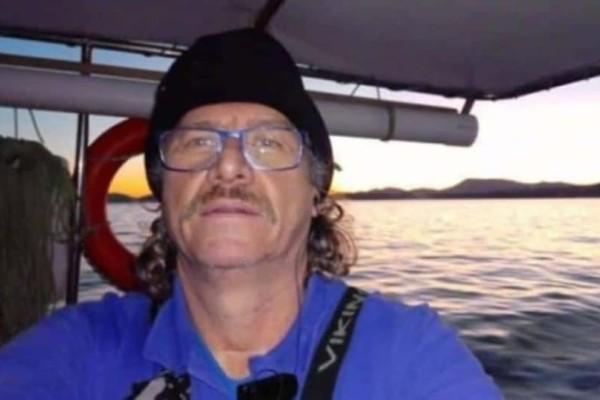 Το στερνό αντίο στον Κώστα Αρβανίτη: Κηδεύτηκε δημοσία δαπάνη ο ηρωικός ψαράς στο Μάτι!