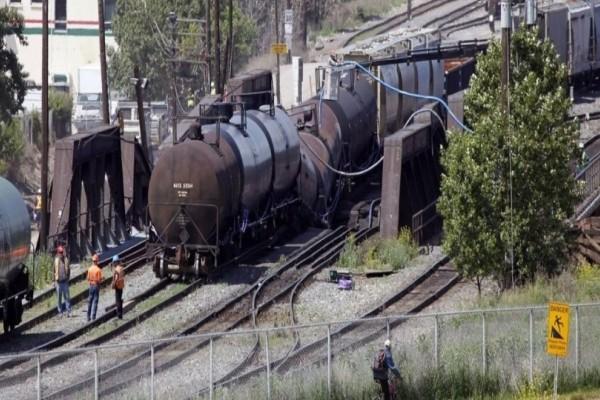 Συναγερμός! Εκτροχιάστηκε τρένο - Ανησυχία για χημικές ουσίες