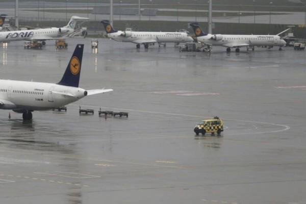Συναγερμός σε αεροδρόμιο της Γερμανίας: Έχουν κλείσει τερματικοί σταθμοί!