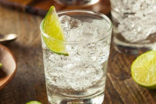 Τζιν τόνικ: Ποια είναι η ιστορία πίσω από το διάσημο ποτό!