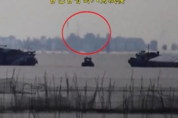 Πόλη «φάντασμα» εμφανίστηκε πάνω από κινεζική λίμνη! (photos-video)