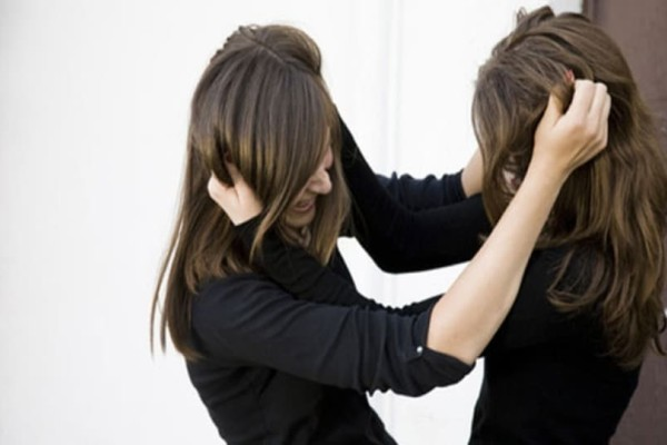 Χαμός στη Ρόδο: Γυναίκες «ήρθαν στα χέρια»!