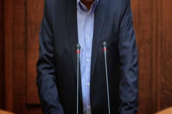 Βυθίστηκε στο πένθος Έλληνας πολιτικός! Ο θάνατος που τον τσάκισε!