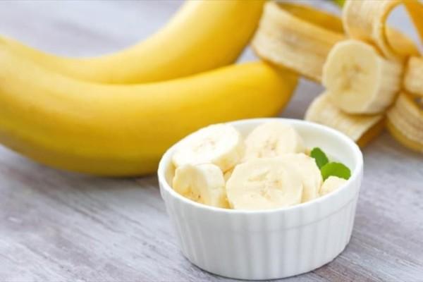 Έτρωγε δύο μπανάνες την ημέρα για ένα μήνα - Η αλλαγή στο σώμα του θα σας αφήσει «άφωνους» (Video)