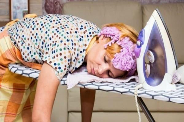 Γλιτώστε το σιδέρωμα των ρούχων... μόνο με παγάκια!