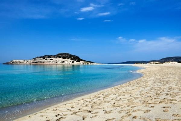 Η Πελοπόννησος μας ταξιδεύει στις Μπαχάμες! Η ελληνική εξωτική παραλία! (Video)