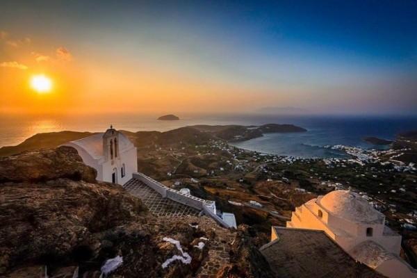 Αυτό το ελληνικό νησί είναι πρώτο στη λίστα με τους καλύτερους προορισμούς!