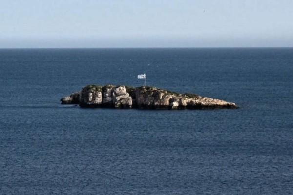 Κρήτη: Κινδύνευσαν δύο 20χρονοι - Βρήκαν καταφύγιο στη βραχονησίδα για να σωθούν!