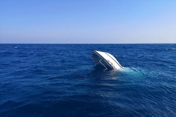 Θρίλερ στη Λεμεσό! Βούλιαξε σκάφος (photos)