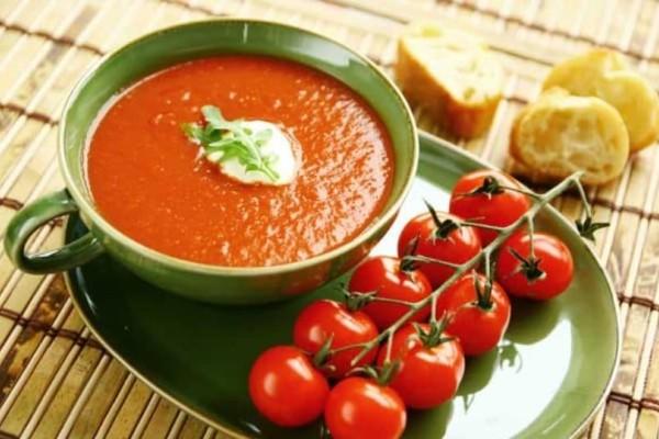 Ντοματόσουπα για όσους θέλουν μια αλλαγή στο διατροφολόγιο τους!