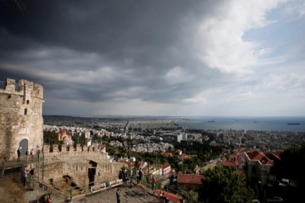 Έκτακτο δελτίο της ΕΜΥ: Με βροχές και καταιγίδες θα γιορτάσει η μισή Ελλάδα σήμερα τον Δεκαπενταύγουστο!