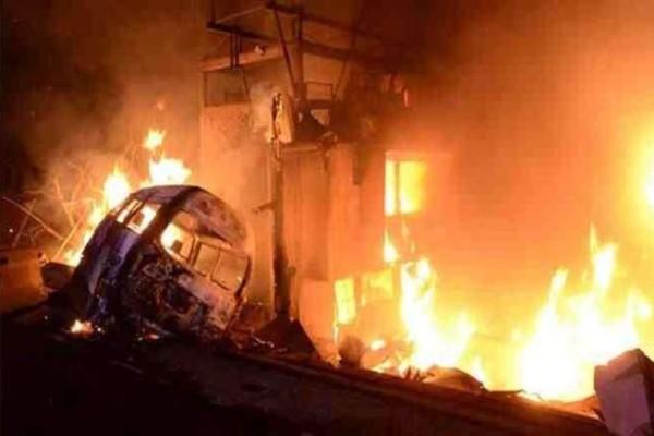 Τραγωδία: 20 νεκροί ύστερα από έκρηξη βυτιοφόρου!