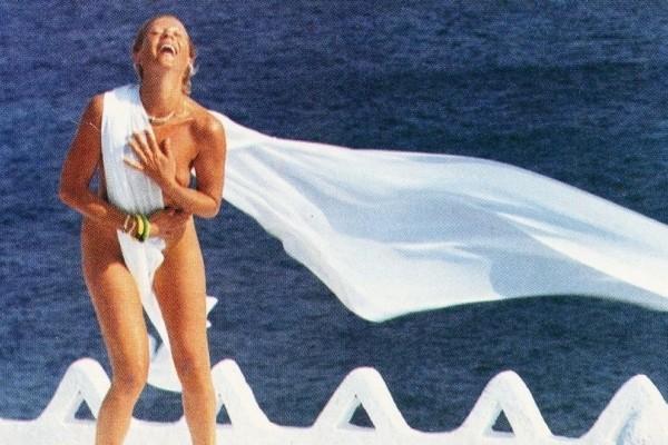 Ζωή Λάσκαρη: Η ιστορική φωτογράφιση στο Playboy!