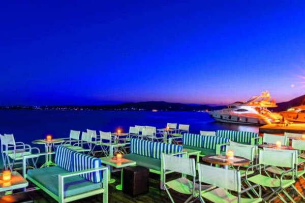 Cavo Bianco: Αυτό είναι το απόλυτο summer hot spot στην Ερμιόνη!