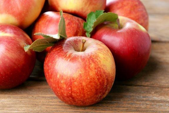 Πώς να μην μαυρίζουν τα κομμένα μήλα!
