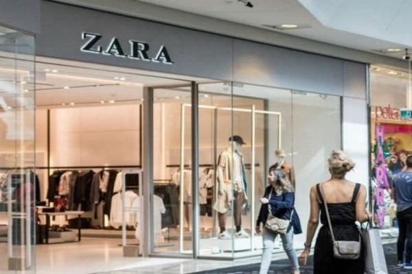 Zara: Αυτό είναι το κατάλληλο φόρεμα για το πρώτο ραντεβού και όχι μόνο!