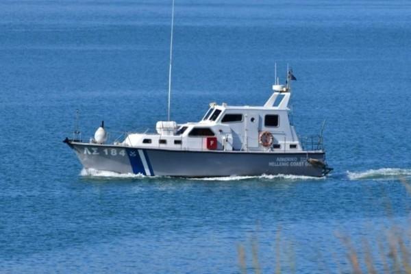 Συναγερμός στη Σύρο: Πλέει ακυβέρνητο πλοίο!