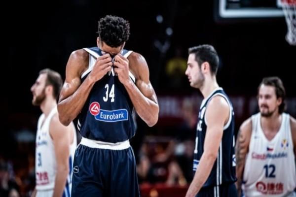 Μουντομπάσκετ 2019: Το ανύπαρκτο επιθετικό φάουλ με το οποίο αποβλήθηκε ο Αντετοκούνμπο! (Video)