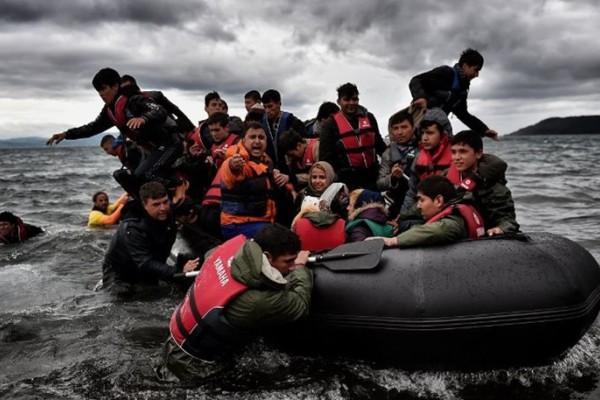 Φεύγουν 300 πρόσφυγες από τη Σύμη!