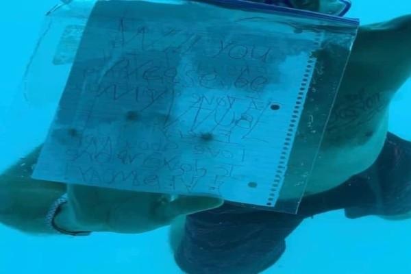 Θλιβερό! Πνίγηκε κάνοντάς της υποβρύχια πρόταση γάμου! (photos)