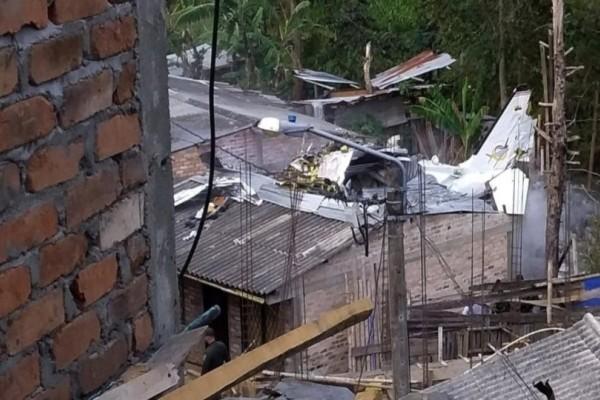 Συνετρίβη αεροπλάνο! Επτά νεκροί και δύο τραυματίες (Photos-Video)