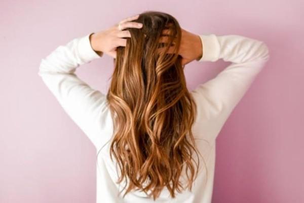 Δαφνέλαιο: Πώς να το χρησιμοποιήσεις στα μαλλιά σου!