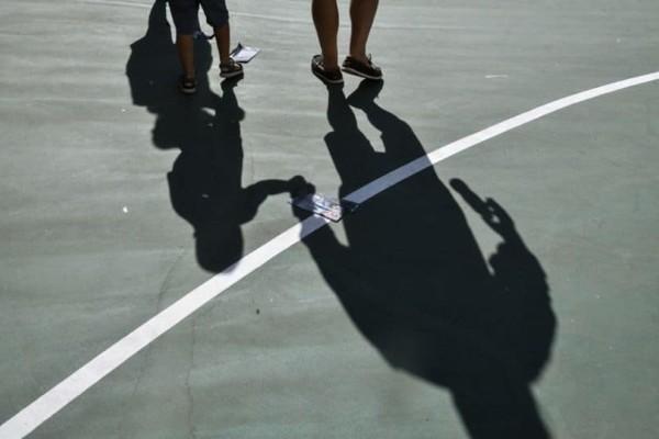 Τρόμος στα σχολεία: Νεαροί χτύπησαν μαθητές σε Γυμνάσιο στο Π.Φάληρο!  Μαθητής λιποθύμησε από ναρκωτικά στον Βόλο!