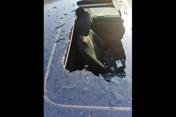 Απίστευτο: Έκρηξη σαμπουάν «εκτόξευσε» οροφή αμαξιού !