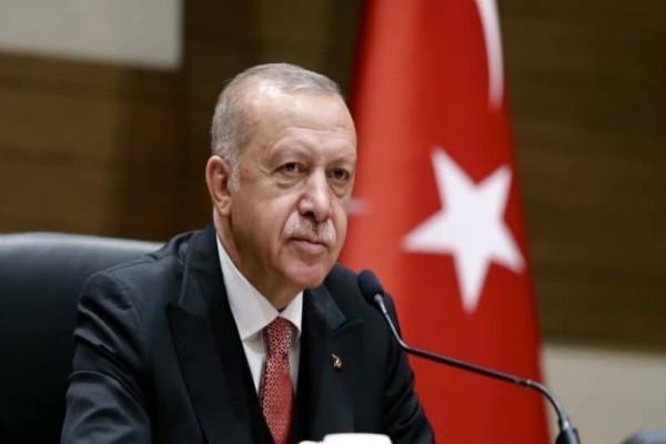 Συνεχίζει τις απειλές ο Ερντογάν: