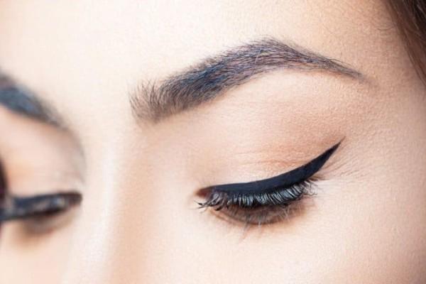 Υπόθεση eyeliner: Πώς να πετύχετε το τέλειο αποτέλεσμα;