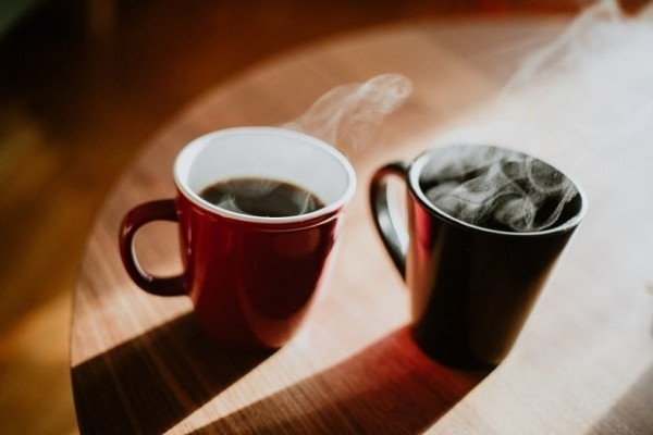 Μεγάλη προσοχή: Αυτός είναι ο λόγος που πρέπει να κόψεις το γάλα και τη ζάχαρη από τον καφέ σου!