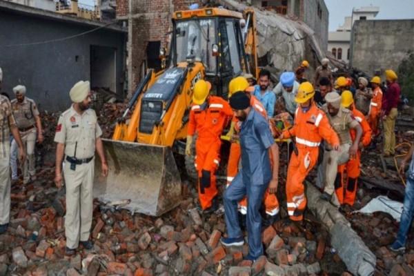 Τραγωδία: 19 νεκροί από πυρκαγιά σε βιοτεχνία βεγγαλικών!